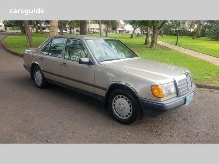 1987 Mercedes-Benz 230