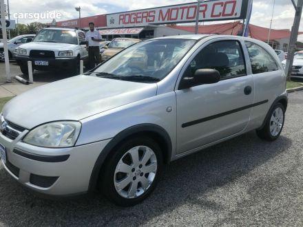 2004 Holden Barina