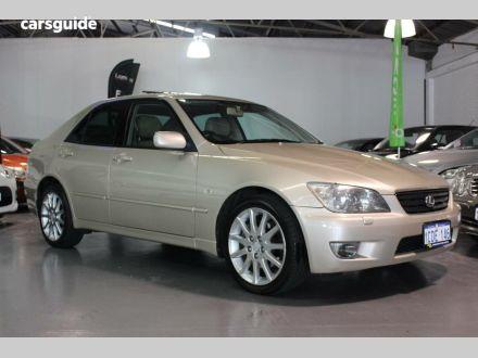 2005 Lexus IS200
