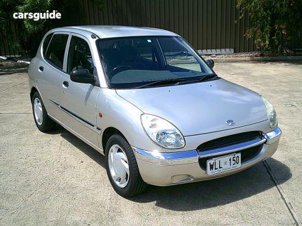 2000 Daihatsu Sirion